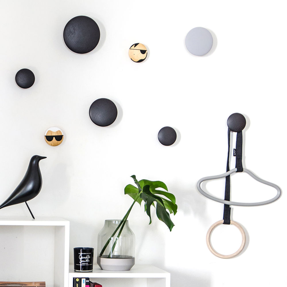 top3 by design muuto new nordic muuto the dots coat hooks black. Black Bedroom Furniture Sets. Home Design Ideas
