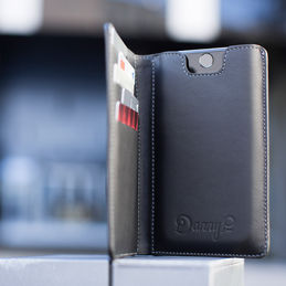 dannyp black iphonewallet 1000 2