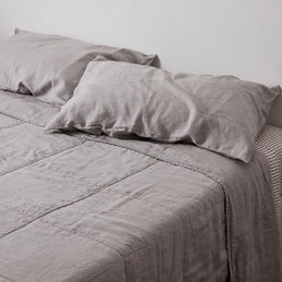 in bed linen bedspread pillow cool grey 02 1000