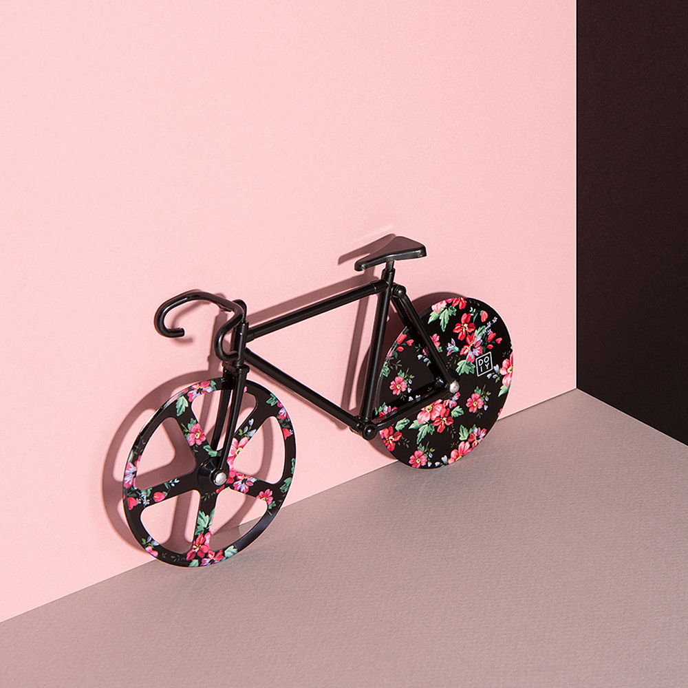 doiy fixie floral pizza cutter main 1000