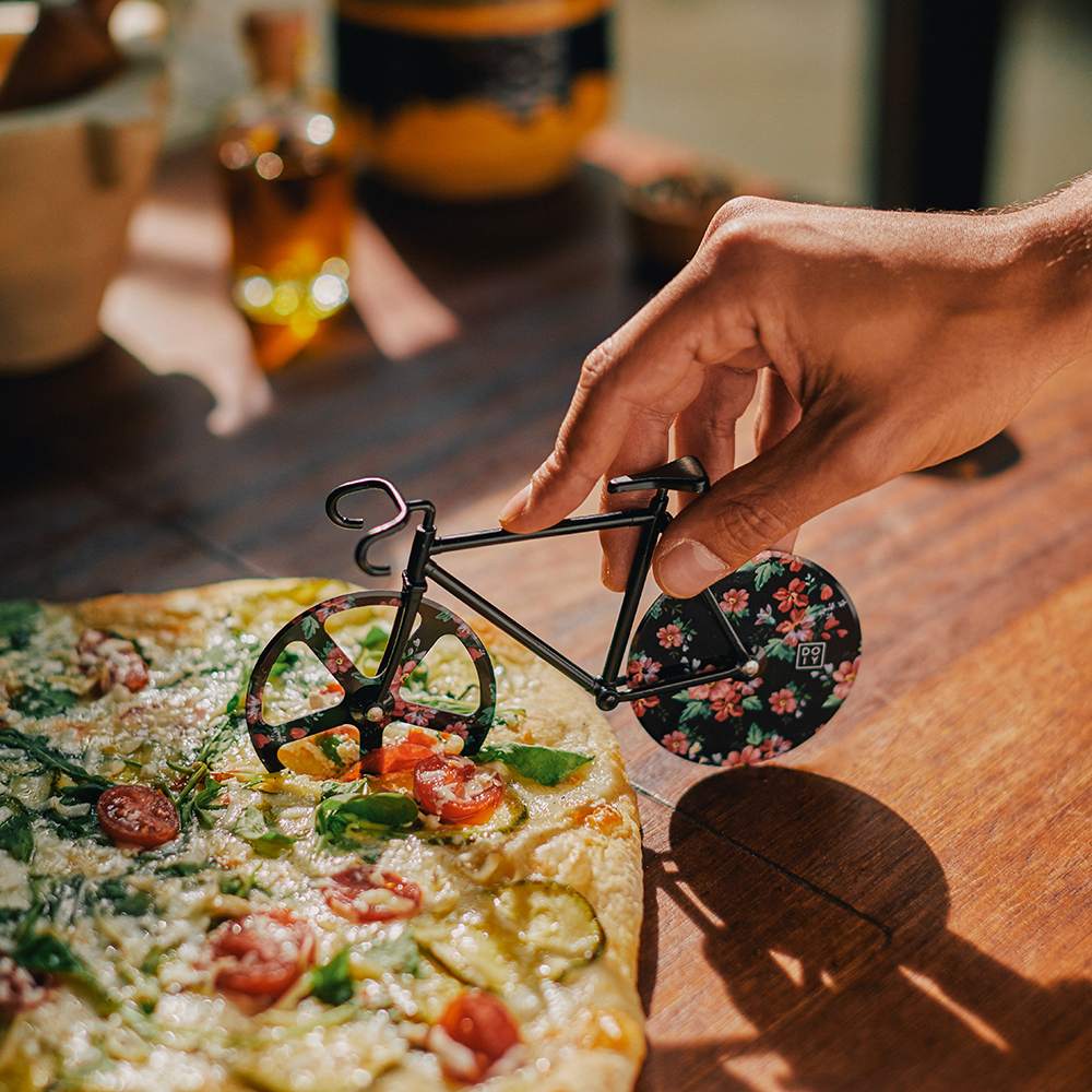 doiy fixie floral pizza cutter 4 1000