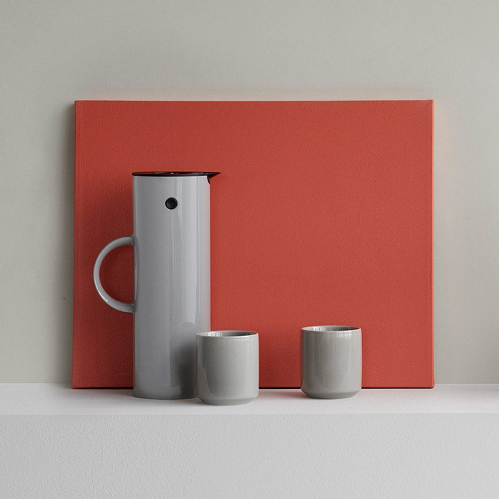 stelton em77 vacuum jug light grey 1000