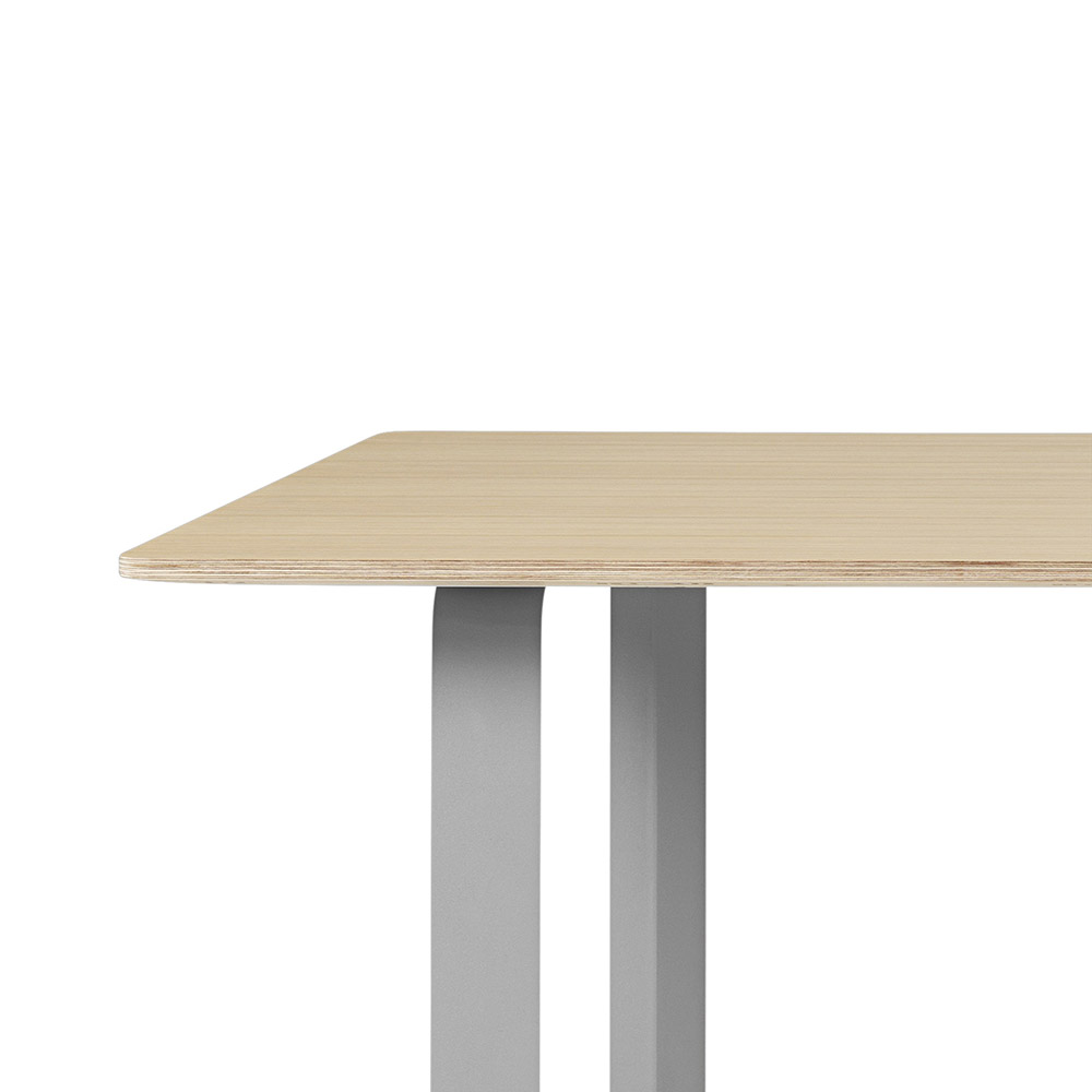 muuto 7070 oak grey table detail 1000