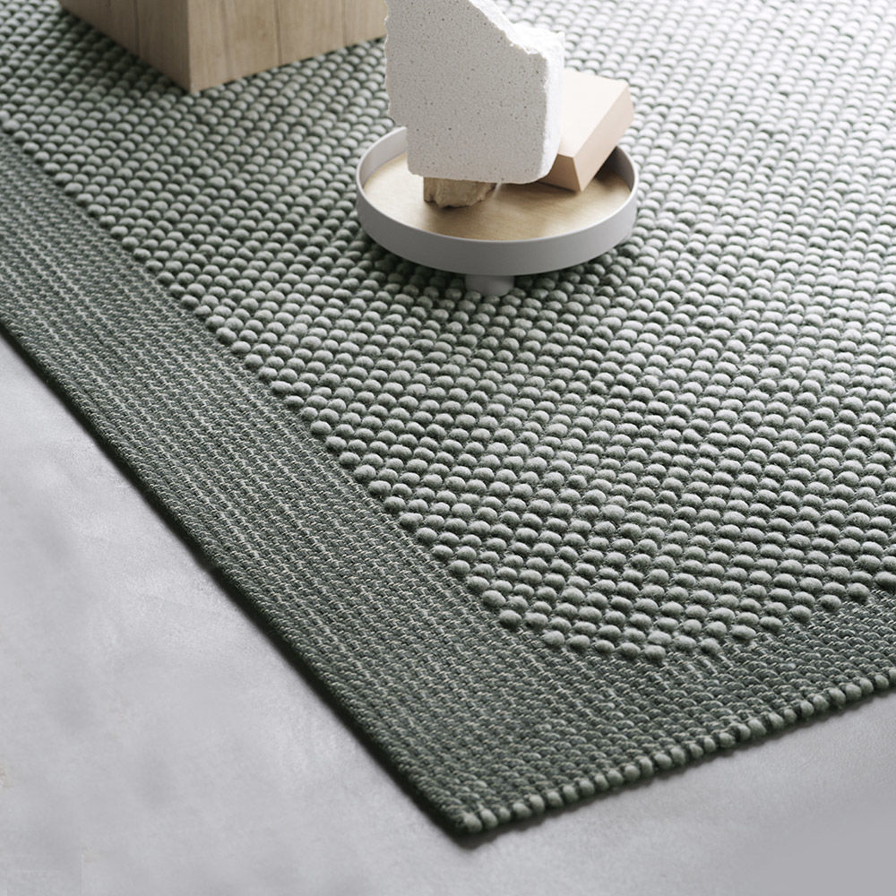 muuto pebble rug dark grey 2 1000