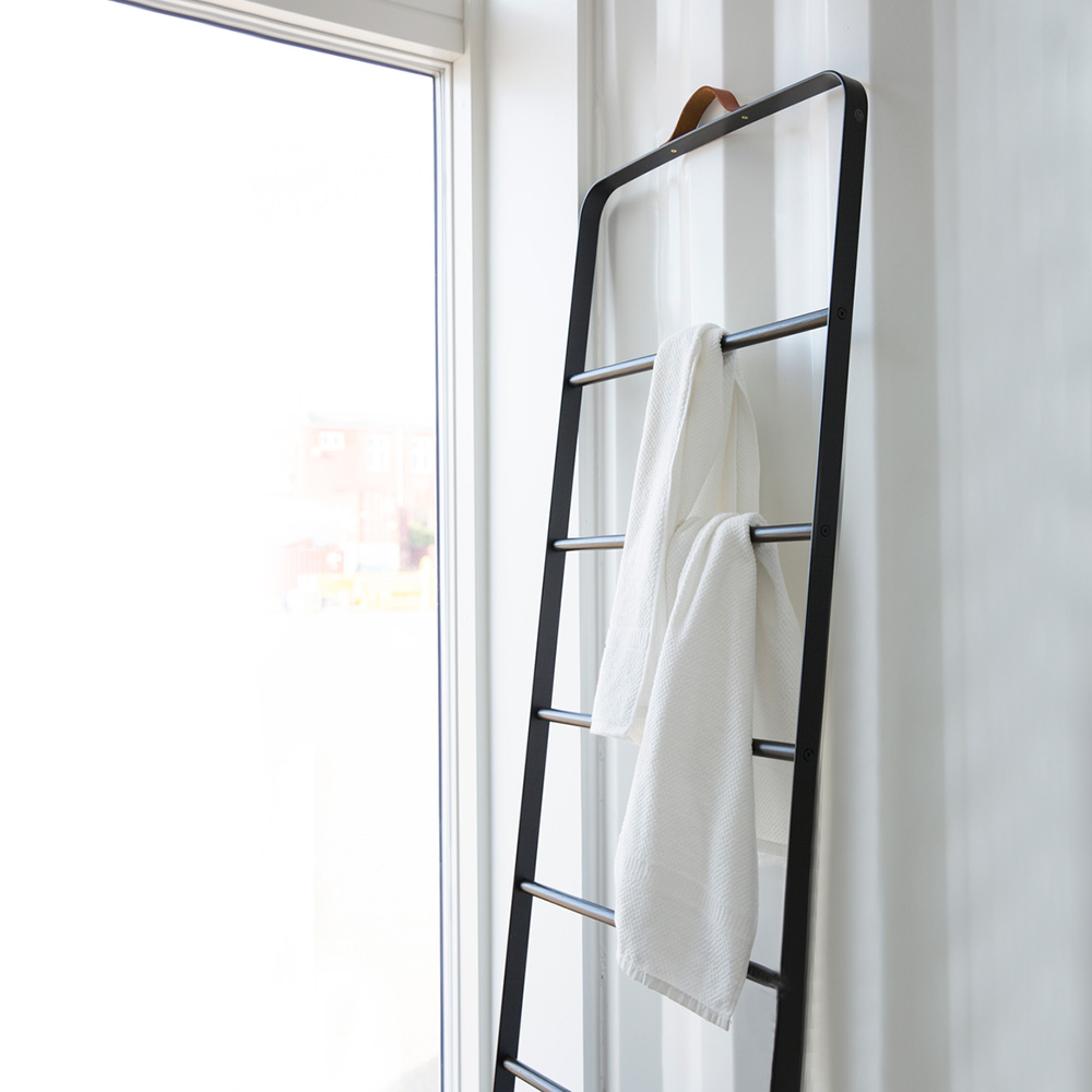 menu towel ladder black 02 1000
