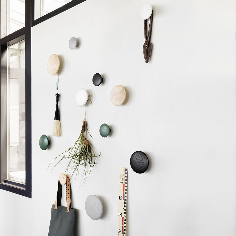 muuto the dots oak grey black green 1000