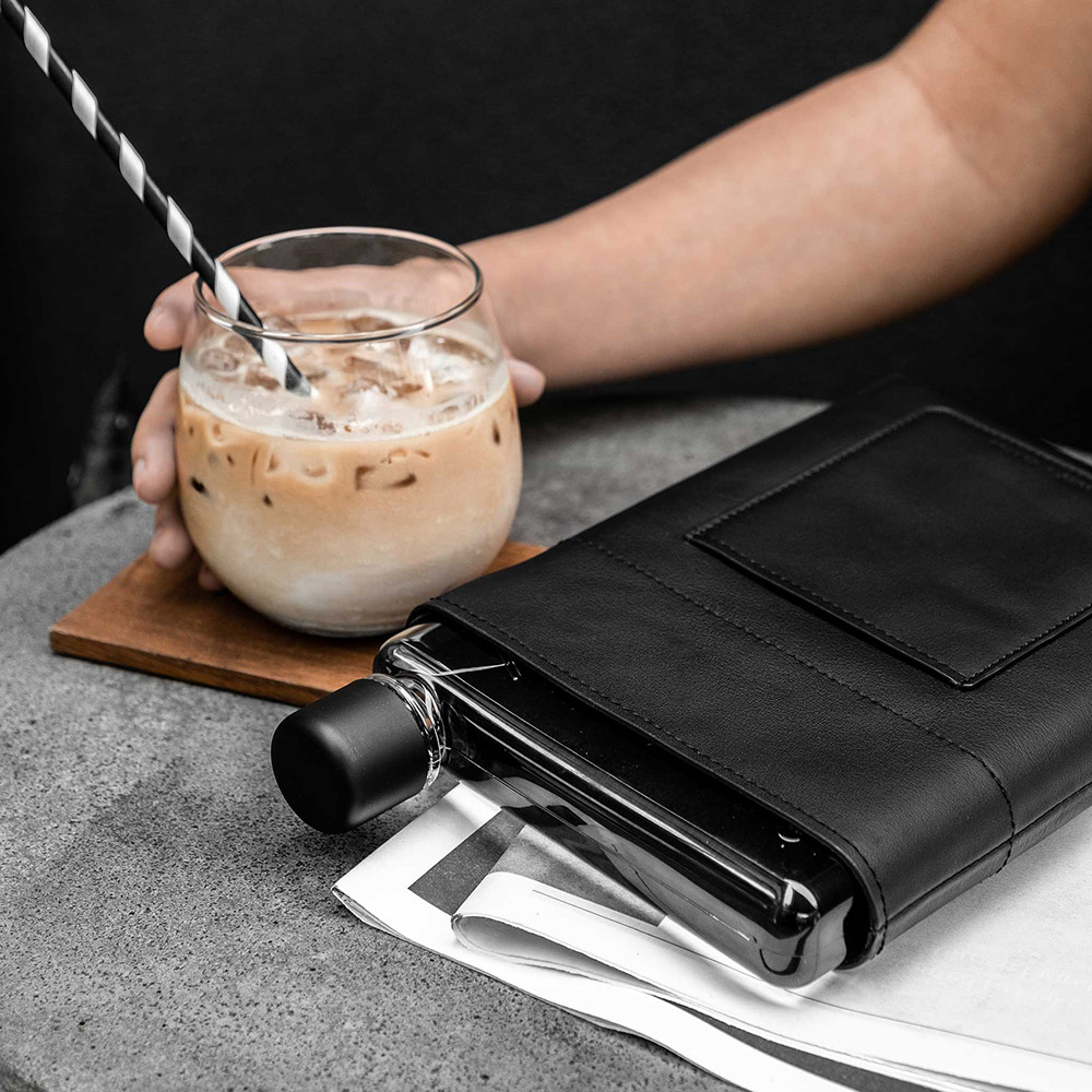 memobottle a5 black leather lifestyle 3 1000