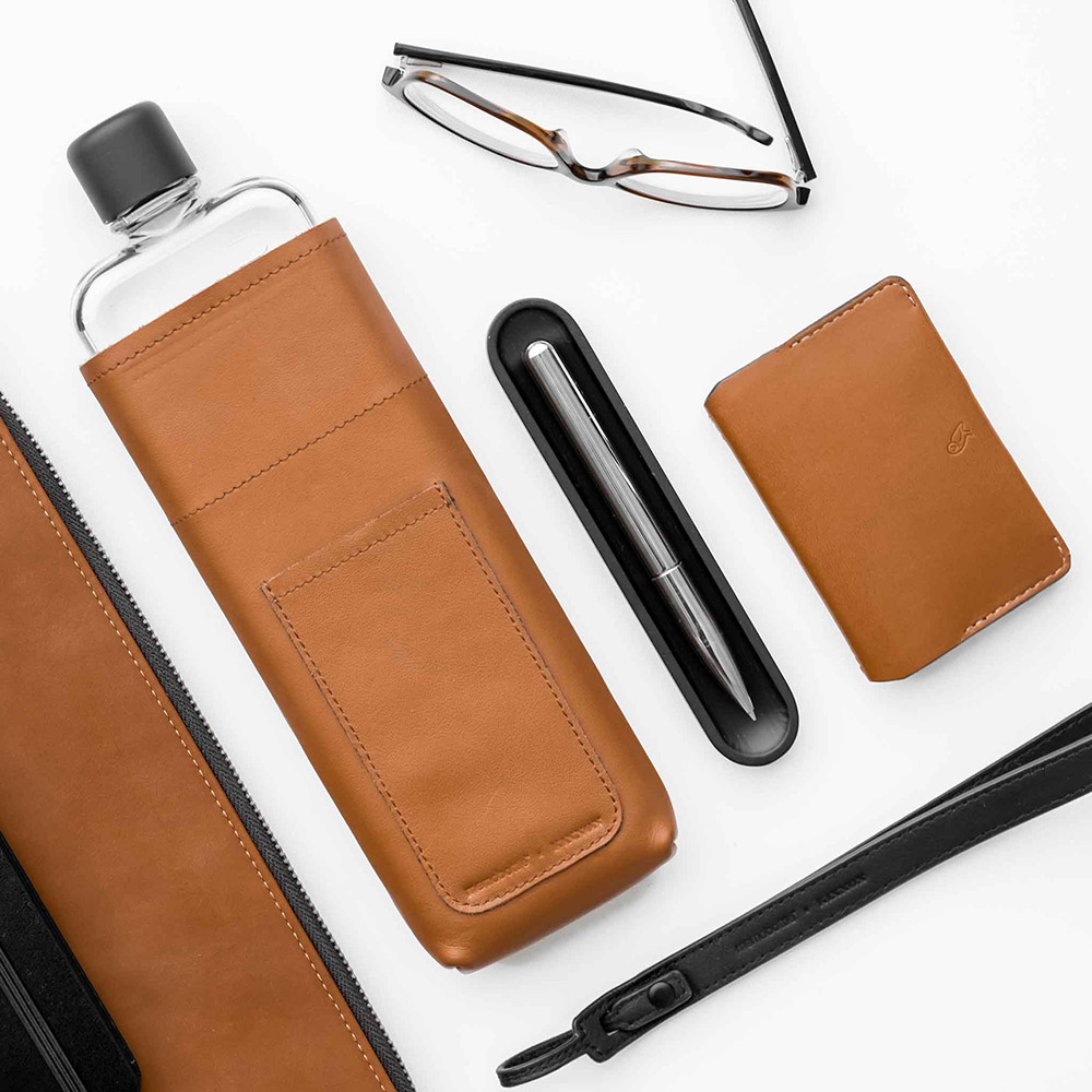 memobottle black lanyard slim tan leather lifestyle 1 1000