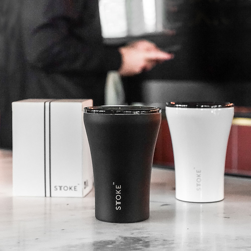 sttoke cup luxe black angel white lifestyle 01 1000