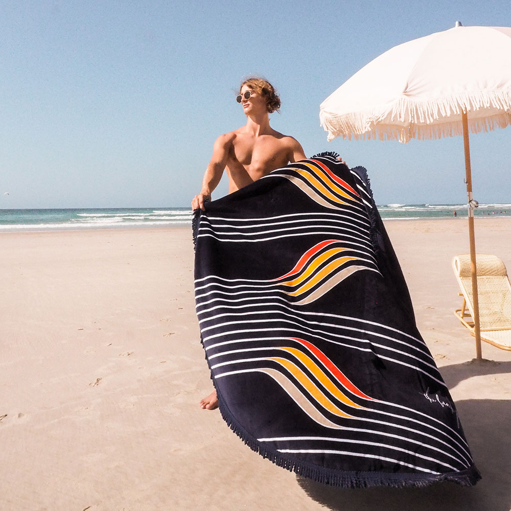the beach people starboard round towel lifestyle 05 1000