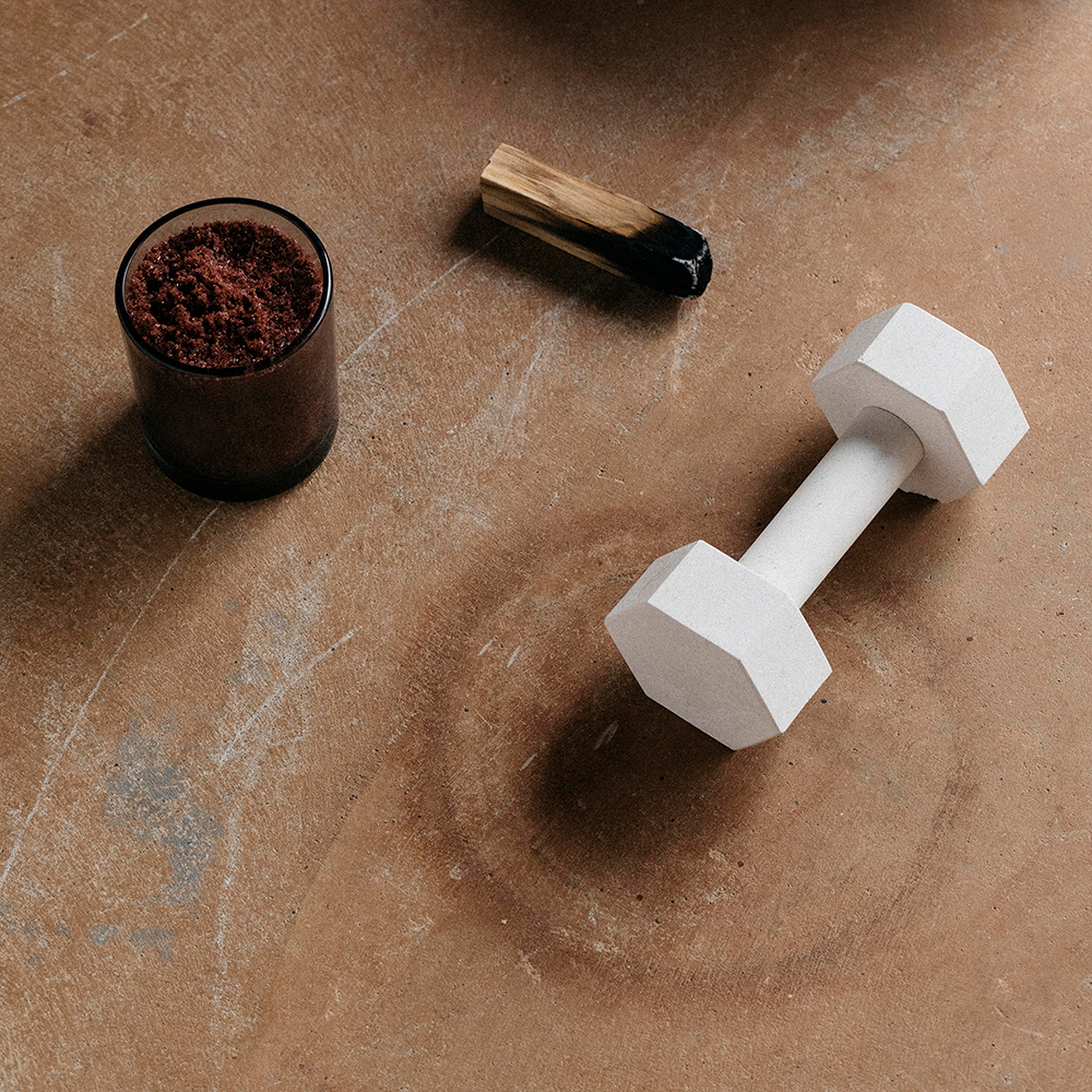 addition studio dumbbell limestone lifestyle 03 1000
