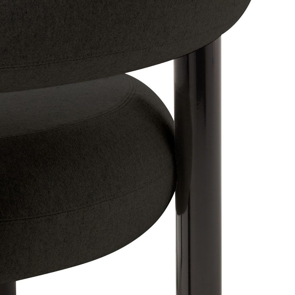 tom dixon fat lounge chair black detail 01 1000