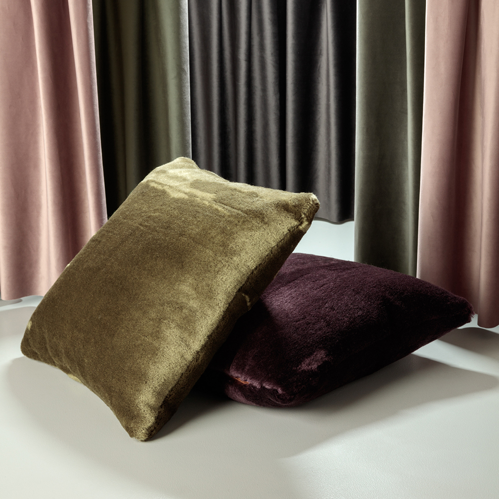 tom dixon soft cushion wine khaki lifestyle 01 1000