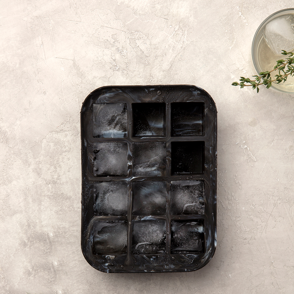 peak ice tray marble black lifestyle 01 1000