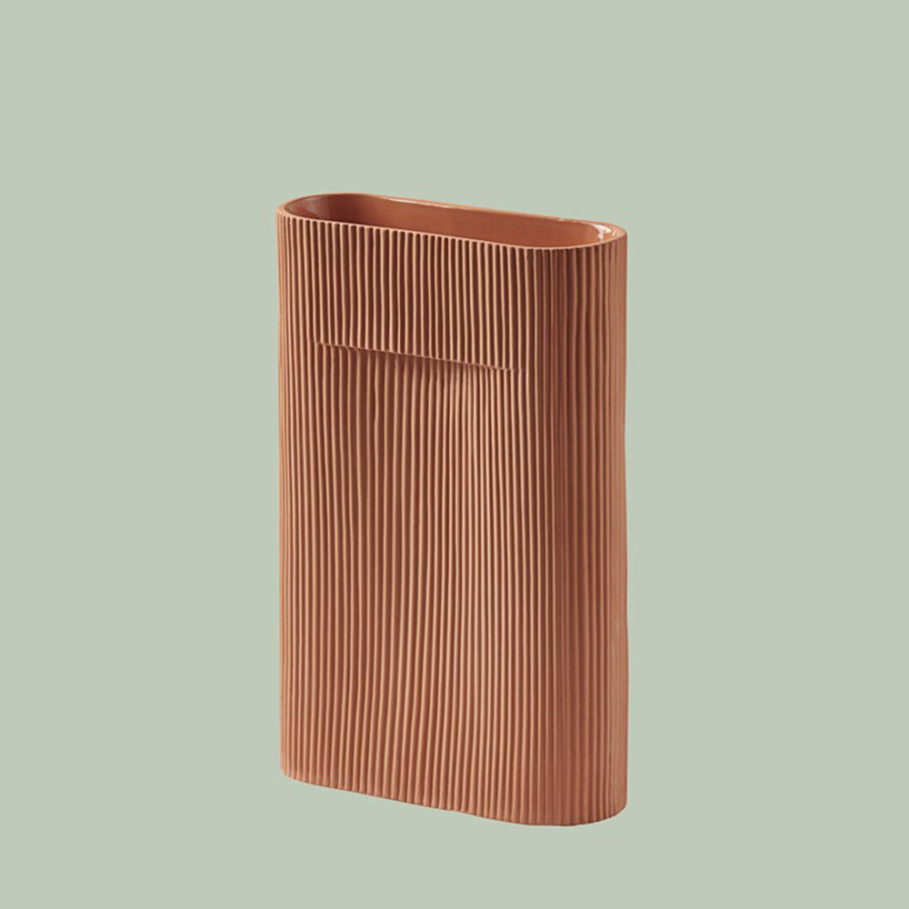 muuto ridge vase terracotta 35cm background 1000