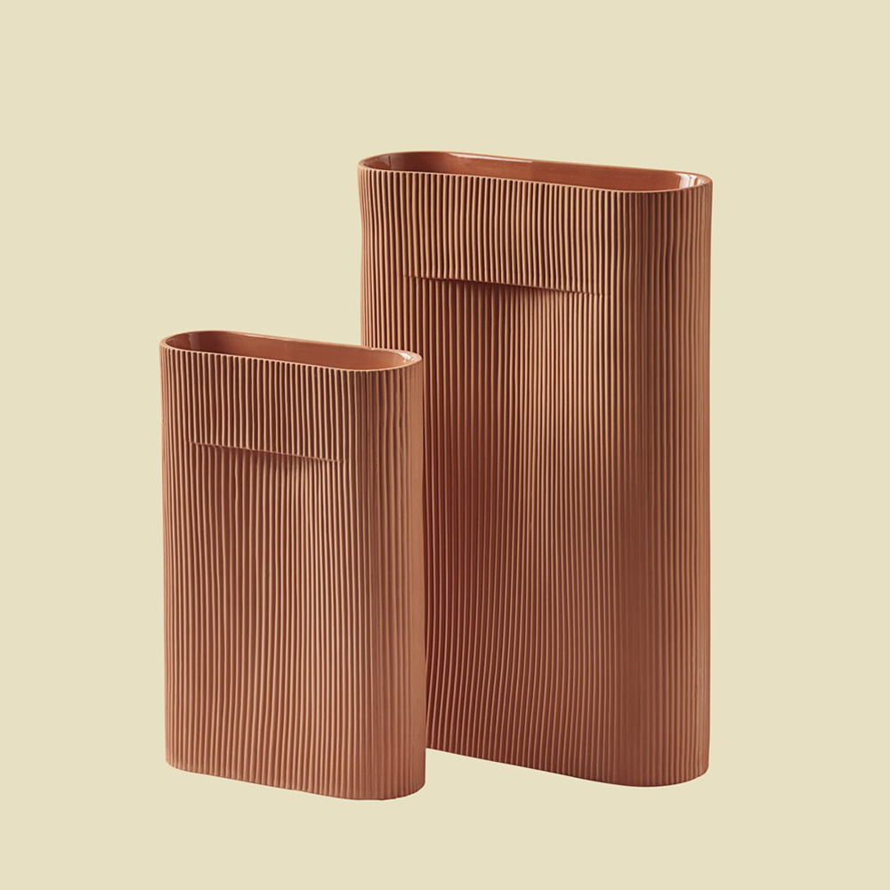 muuto ridge vase terracotta group 01 1000