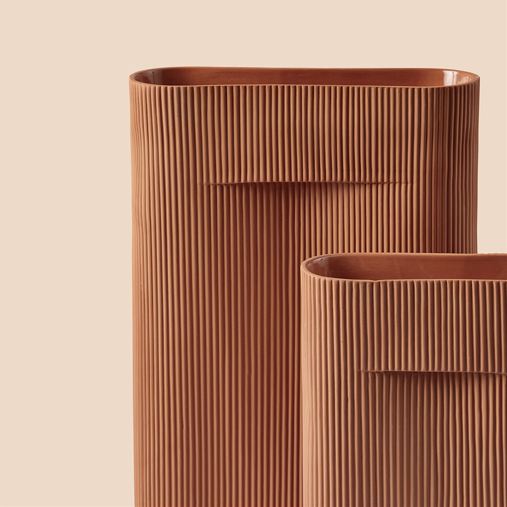 muuto ridge vase terracotta group 04 1000