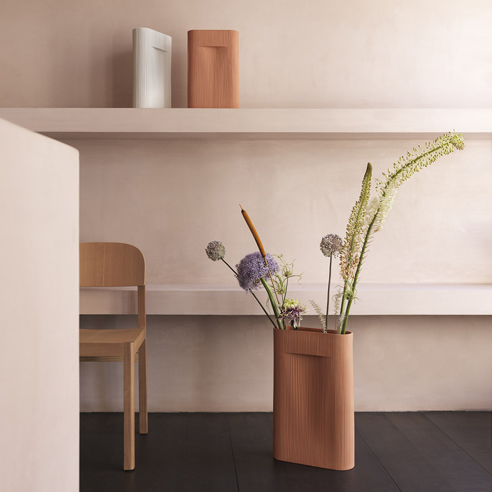 muuto ridge vase terracotta off white group 01 1000
