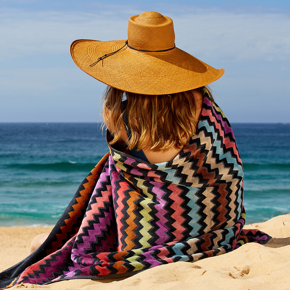 missoni home beach towel warner 159 lifestyle 03 1000jpg
