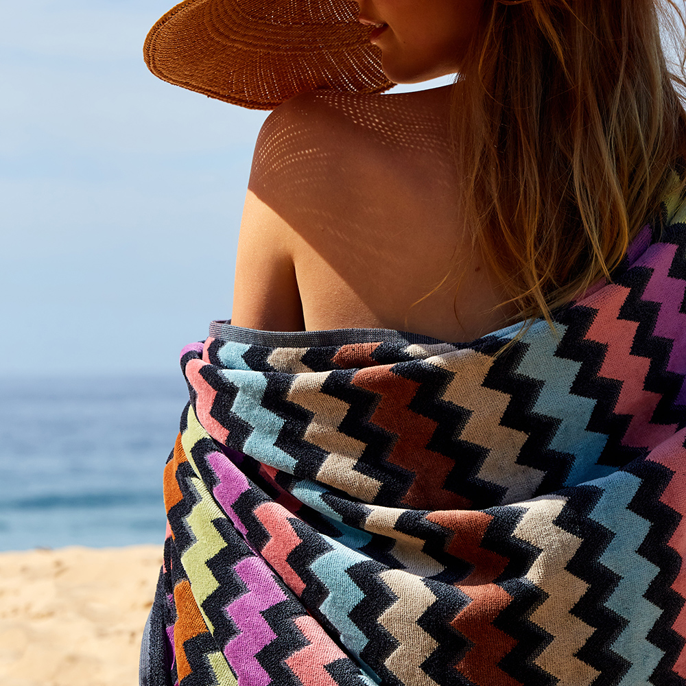 missoni home beach towel warner 159 lifestyle 05 1000jpg