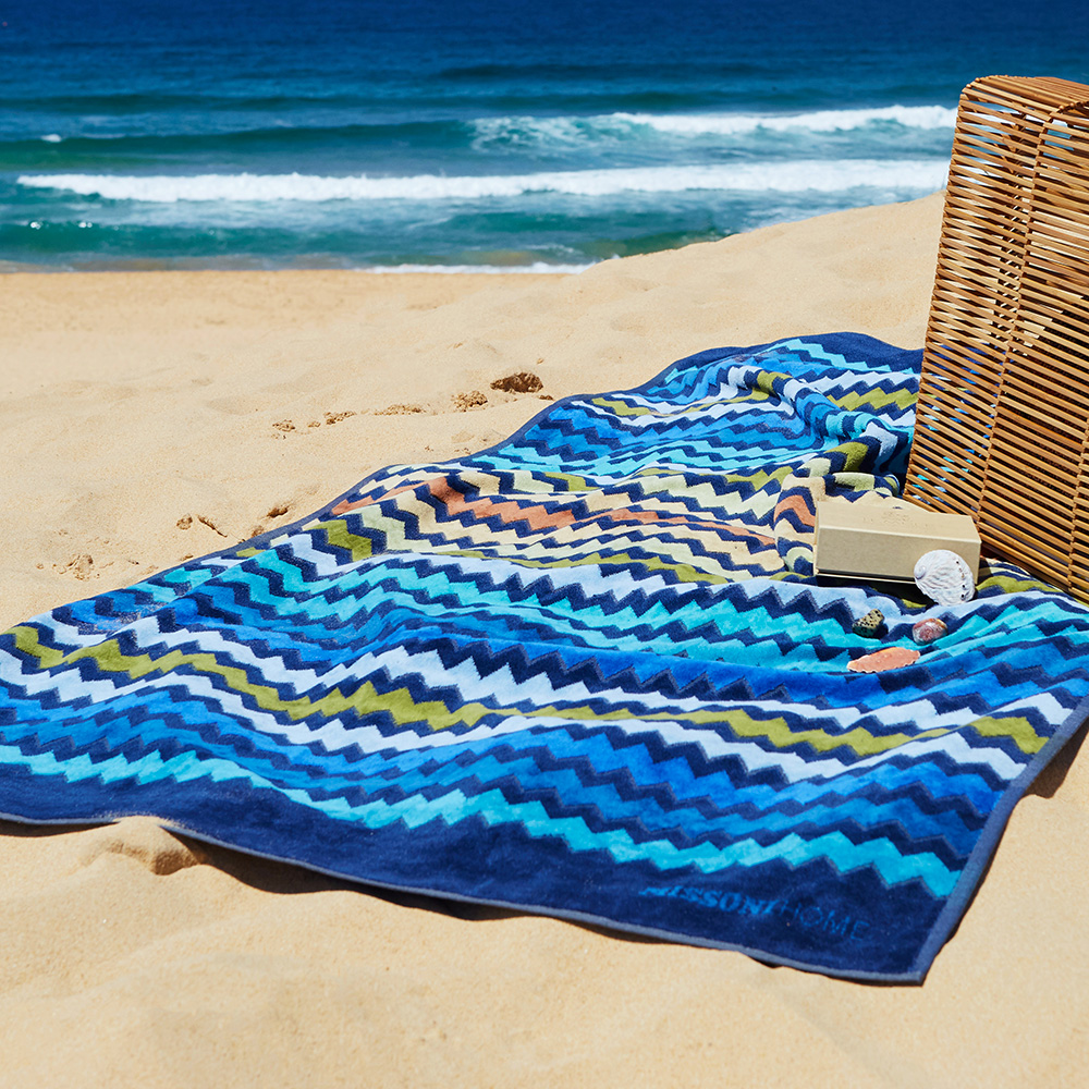 missoni home beach towel warner 170 lifestyle 01 1000