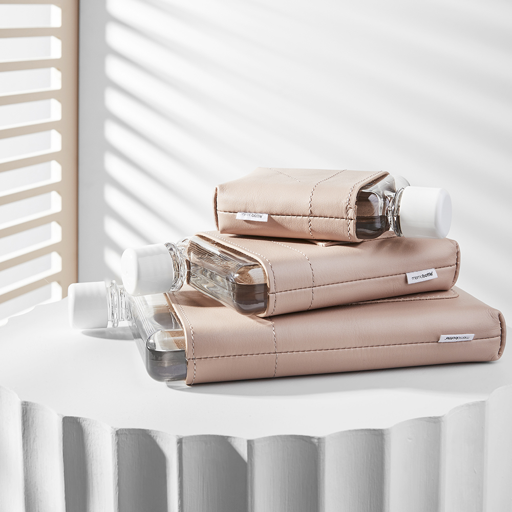 memobottle leather sleeve nude a7 a6 a5 lifestyle 01 1000