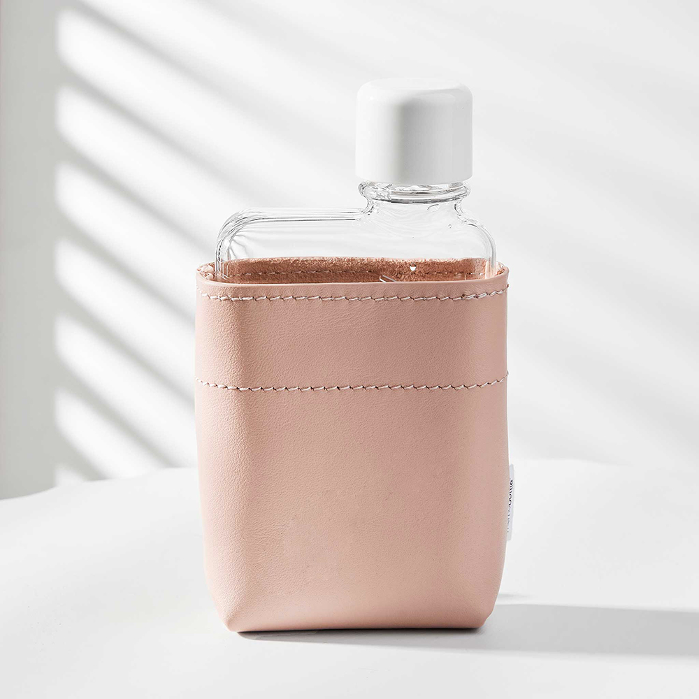 memobottle leather sleeve nude a7 lifestyle 1000