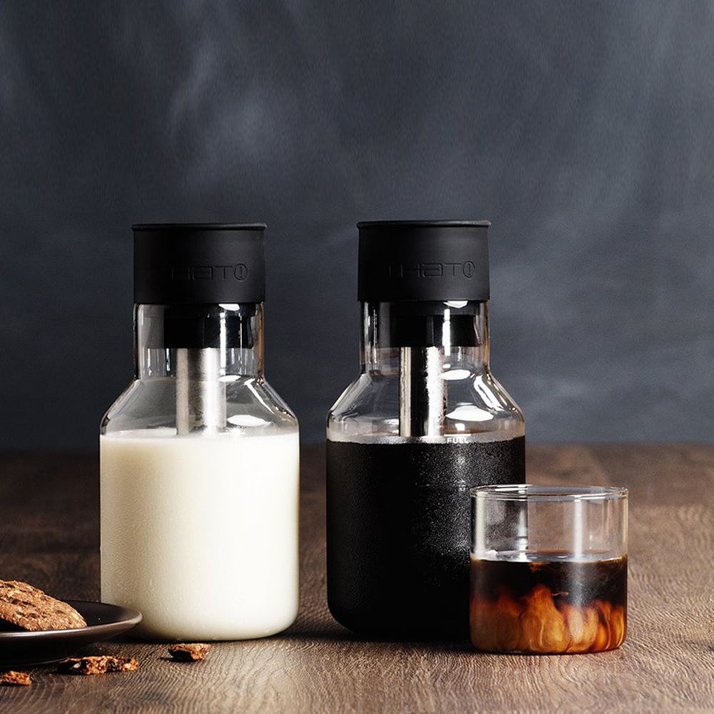 that inventions chill carafe 750ml lifestyle 01a 1000