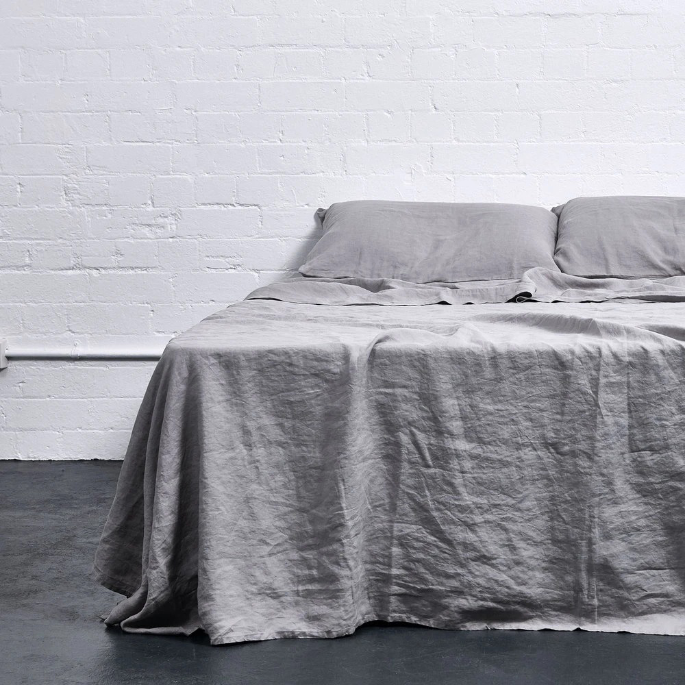 in bed linen cool grey sheet 01 1000