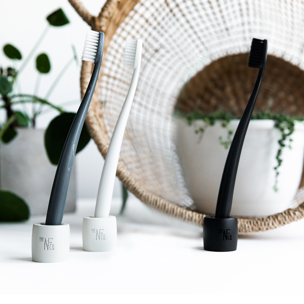 nfco toothbrush stand group lifestyle 01 1000
