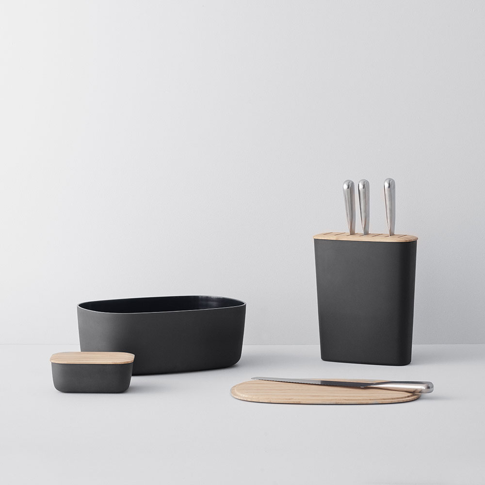 stelton rig tig bread butter knife block black lifestyle 03 1000