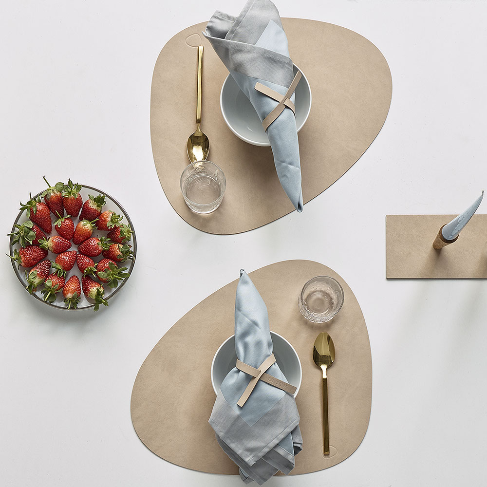 lind dna tablemat curve nupo sand lifestyle 02 1000
