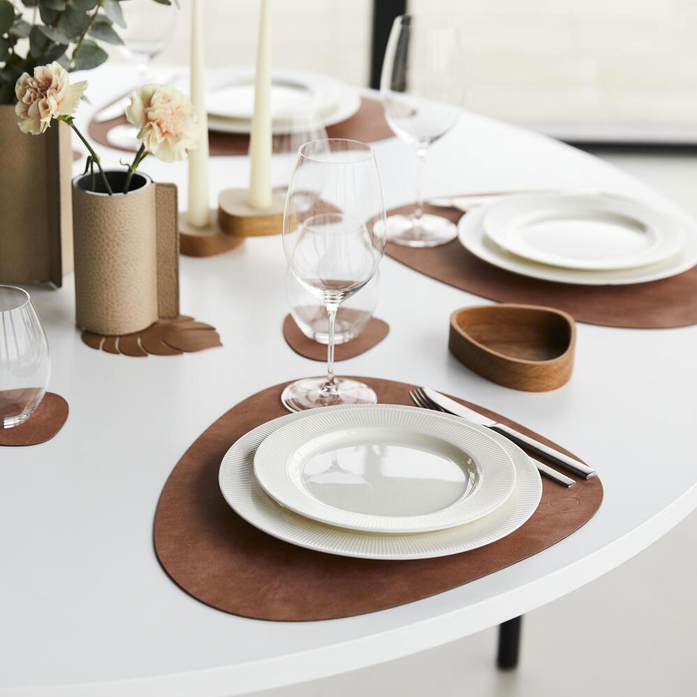 lind dna tablemat curve nupo blush lifestyle 03 1000