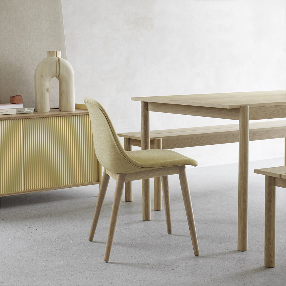 muuto linear wood table bench lifestyle 02 1000