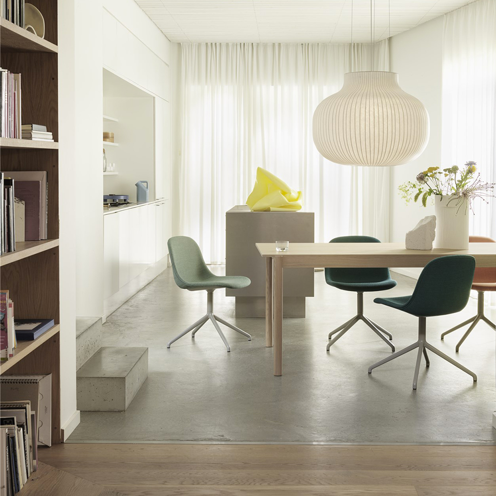 muuto linear wood table lifestyle 04 1000