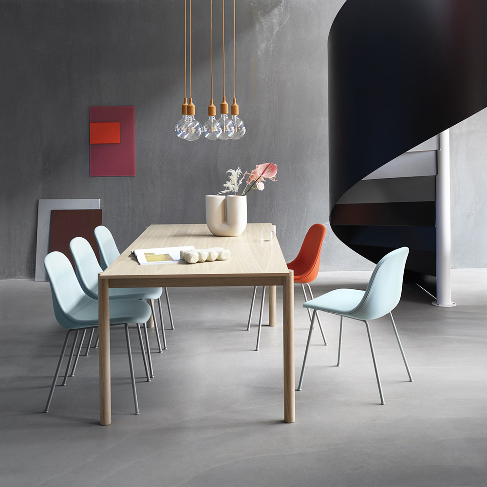 muuto linear wood table lifestyle 05 1000
