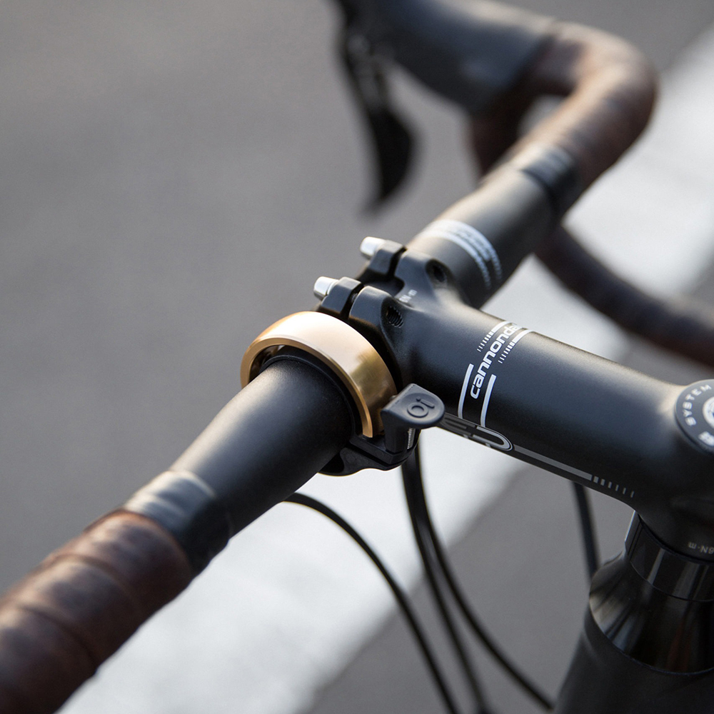 oi bike bell brass lifestyle 07 1000