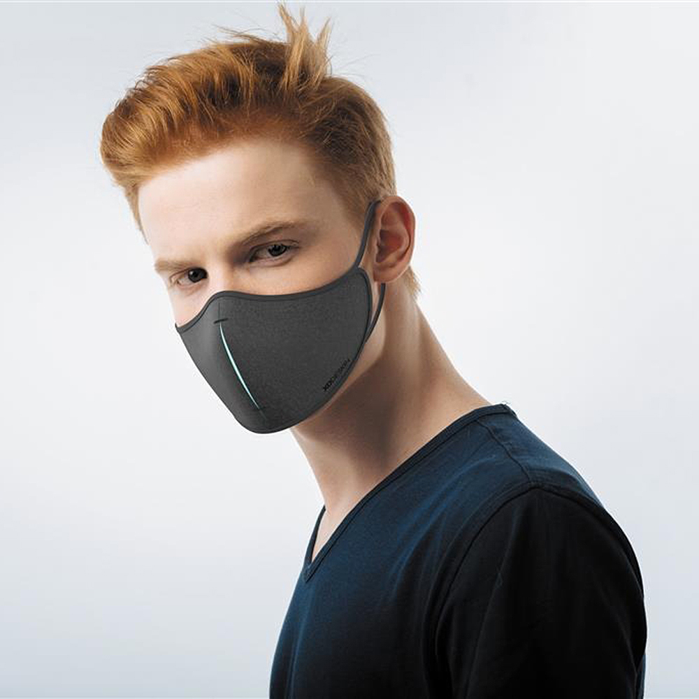 xd design protective face mask set black lifestyle 01 1000