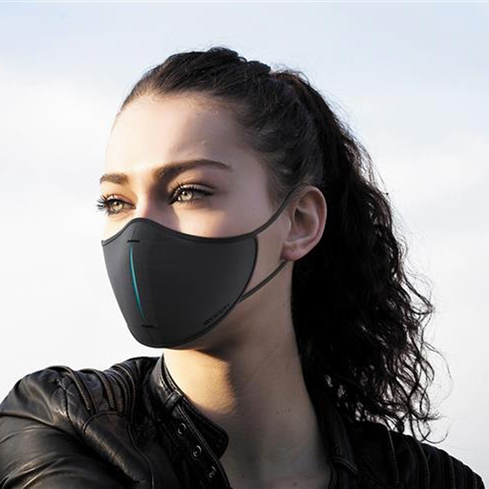 xd design protective face mask set black lifestyle 02 1000