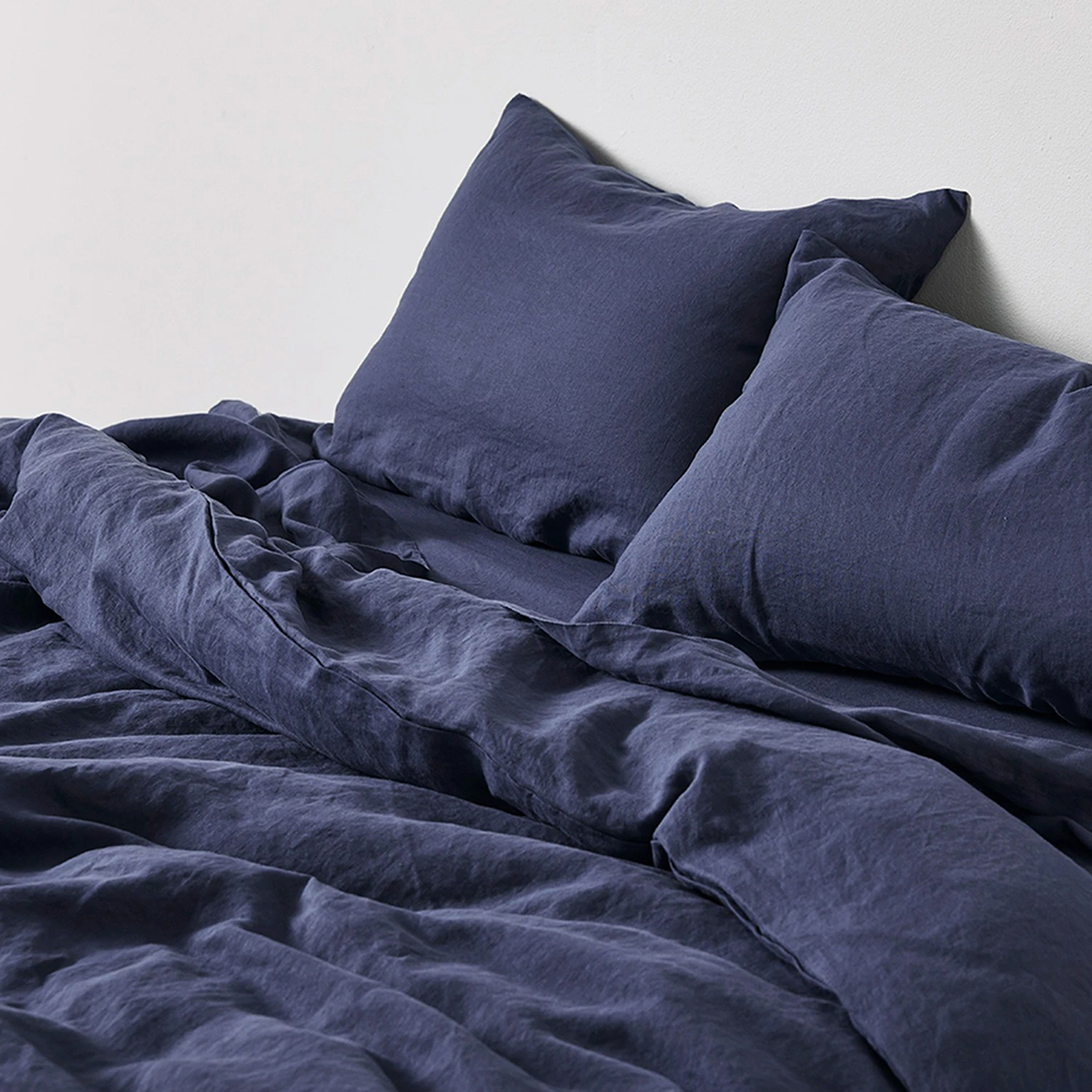 in bed linen duvet midnight blue lifestyle 02 1000
