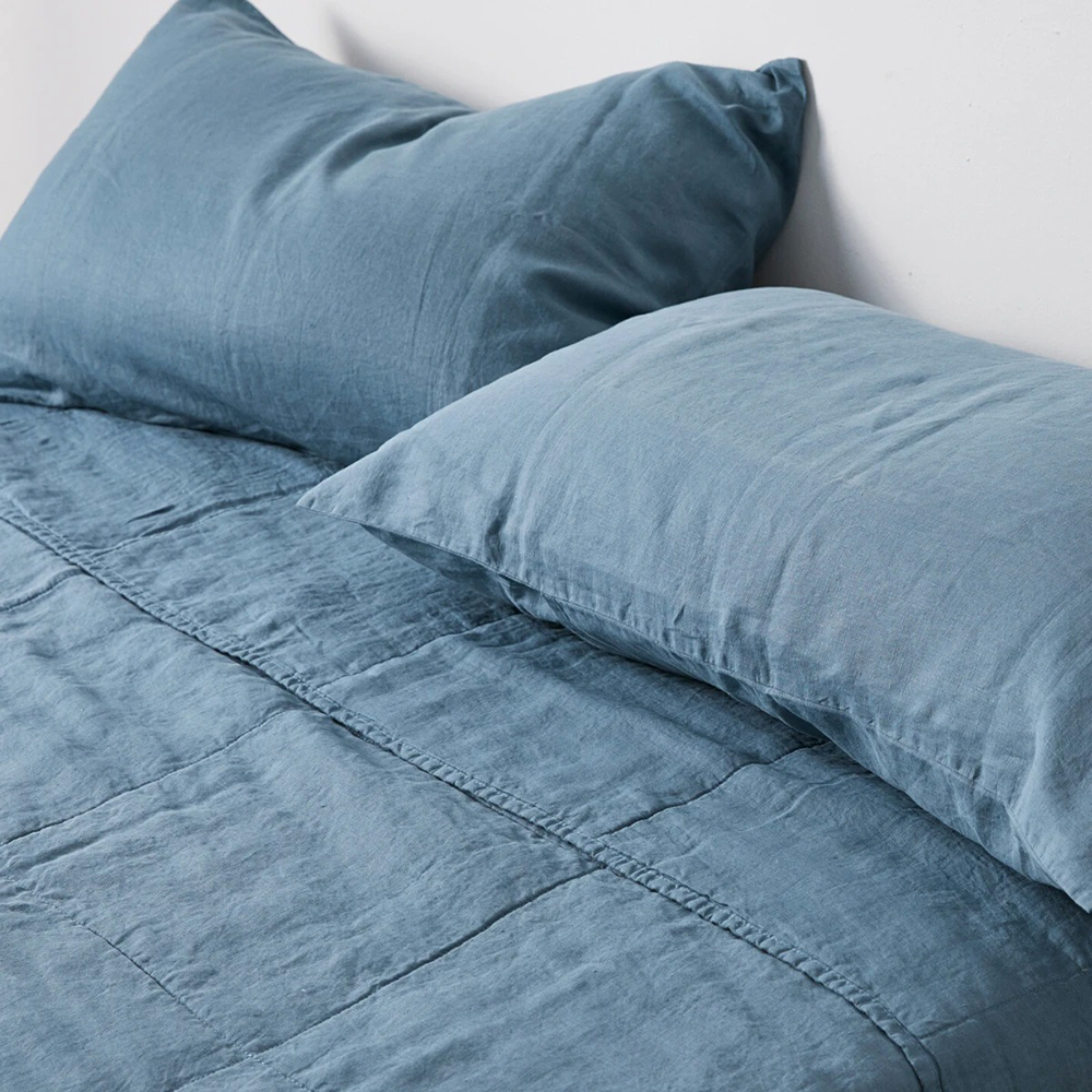 in bed linen bedspread pillow lake blue 01 1000