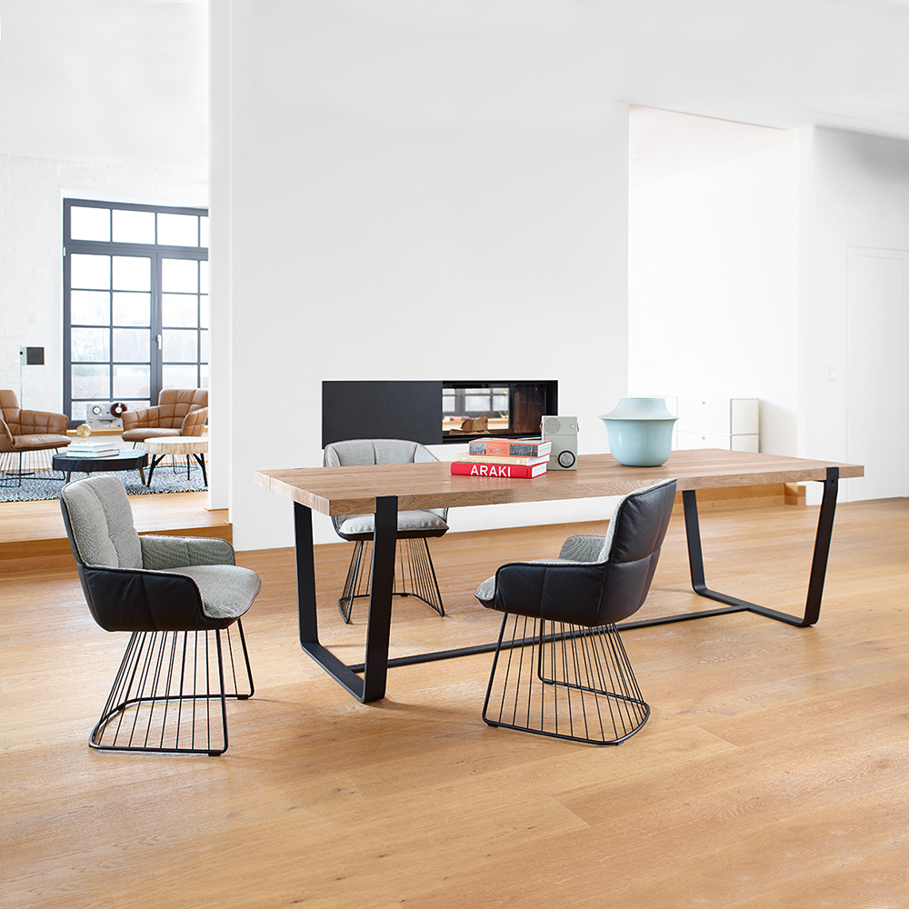 janua bb11 clamp dining table lifestyle 18 1000