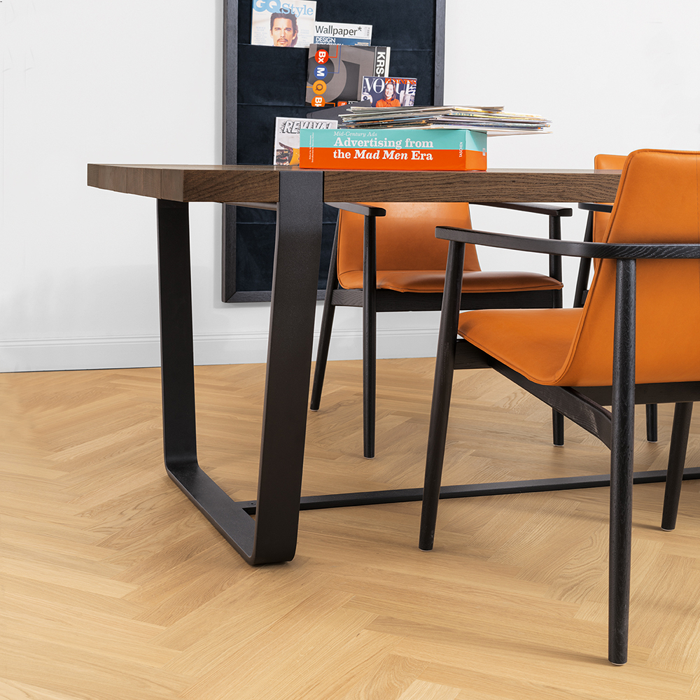 janua bb11 clamp dining table lifestyle 16 1000