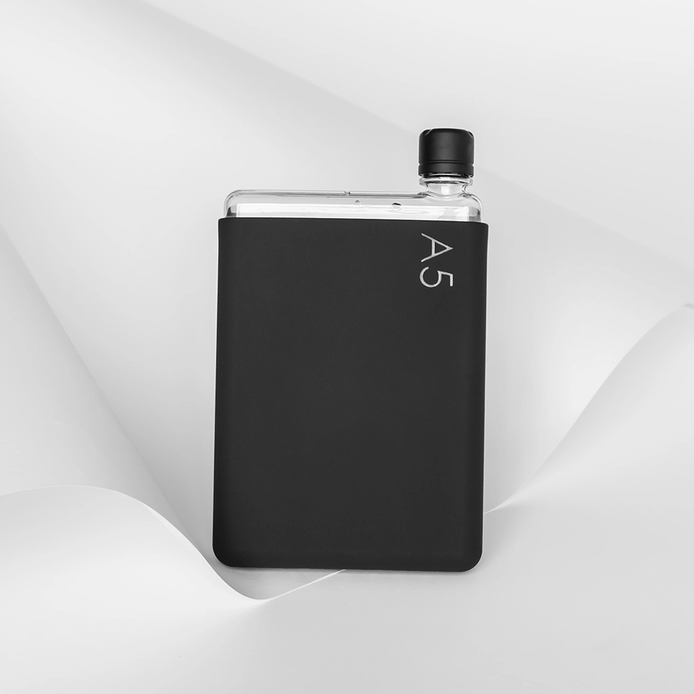 memobottle silicone sleeve a5 black ink lifestyle 02 1000