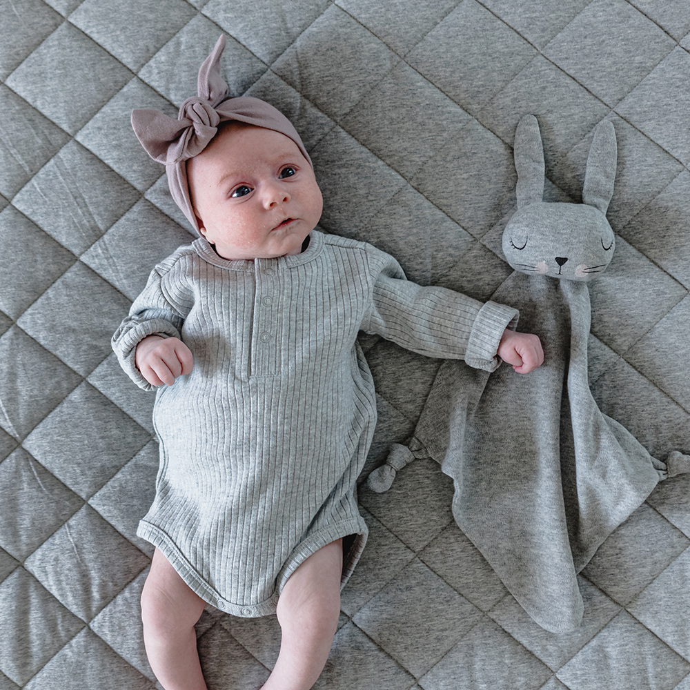 mister fly comforter knot bunny grey lifestyle 01 1000