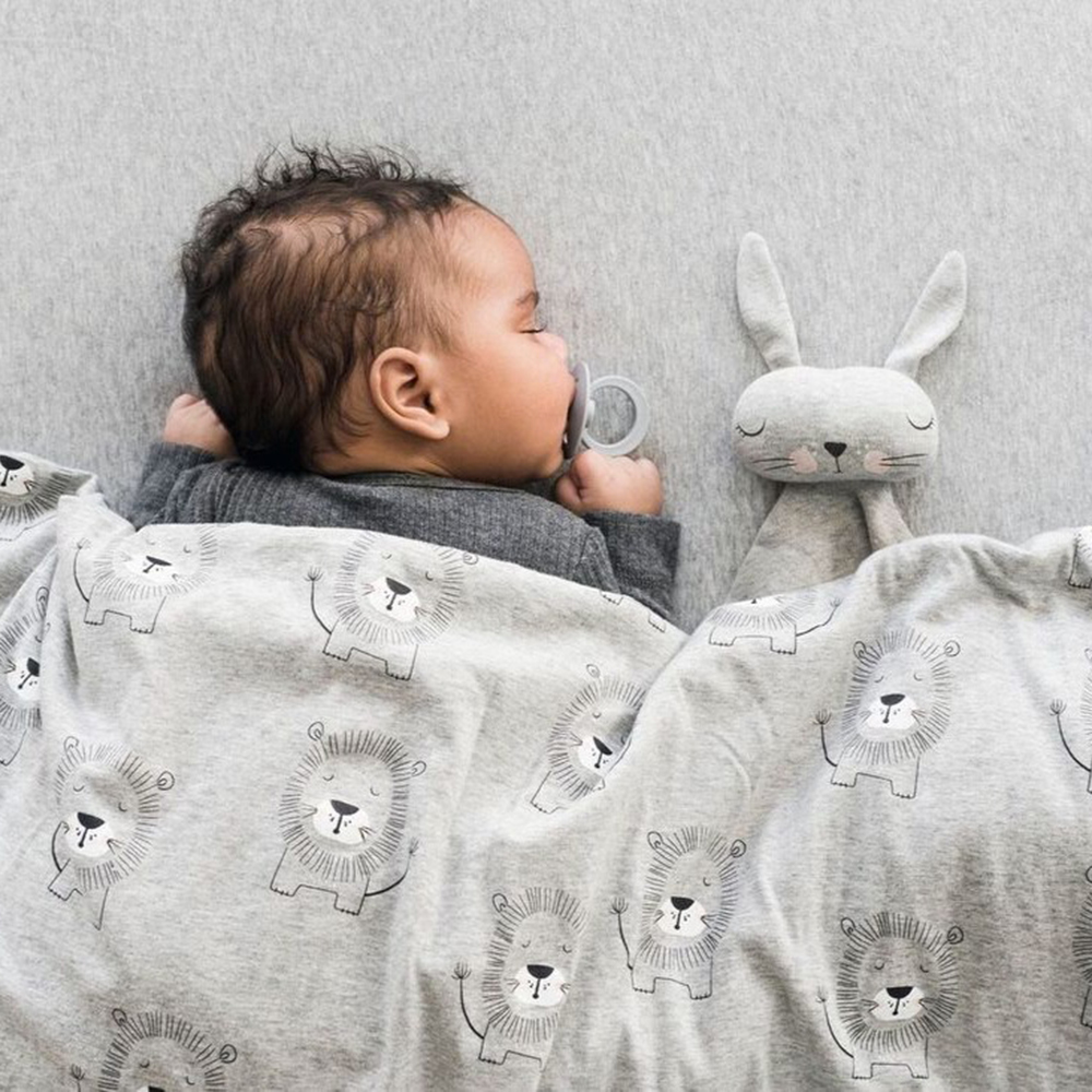 mister fly comforter knot bunny grey lifestyle 02 1000