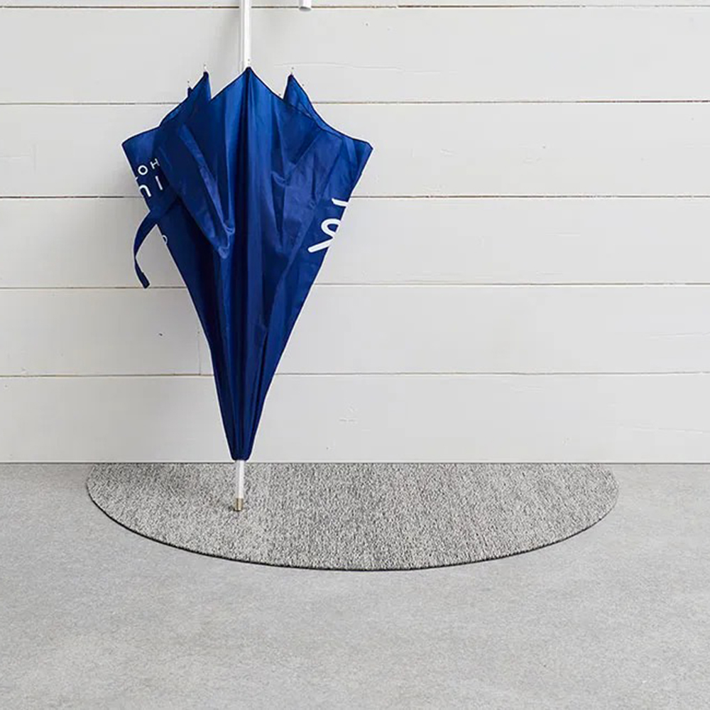 chilewich welcome mat fog lifestyle 01 1000