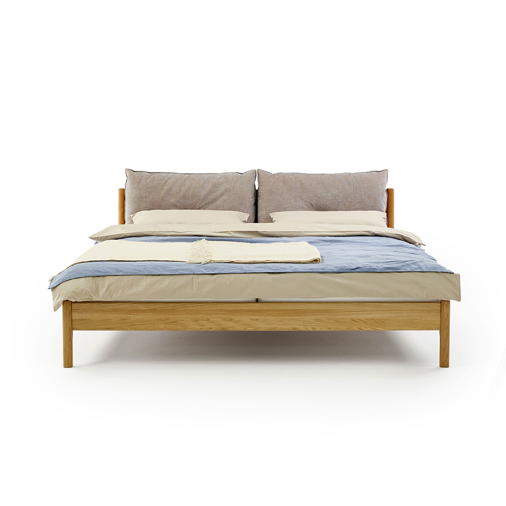 moeller design liv bed oak end 01 1000