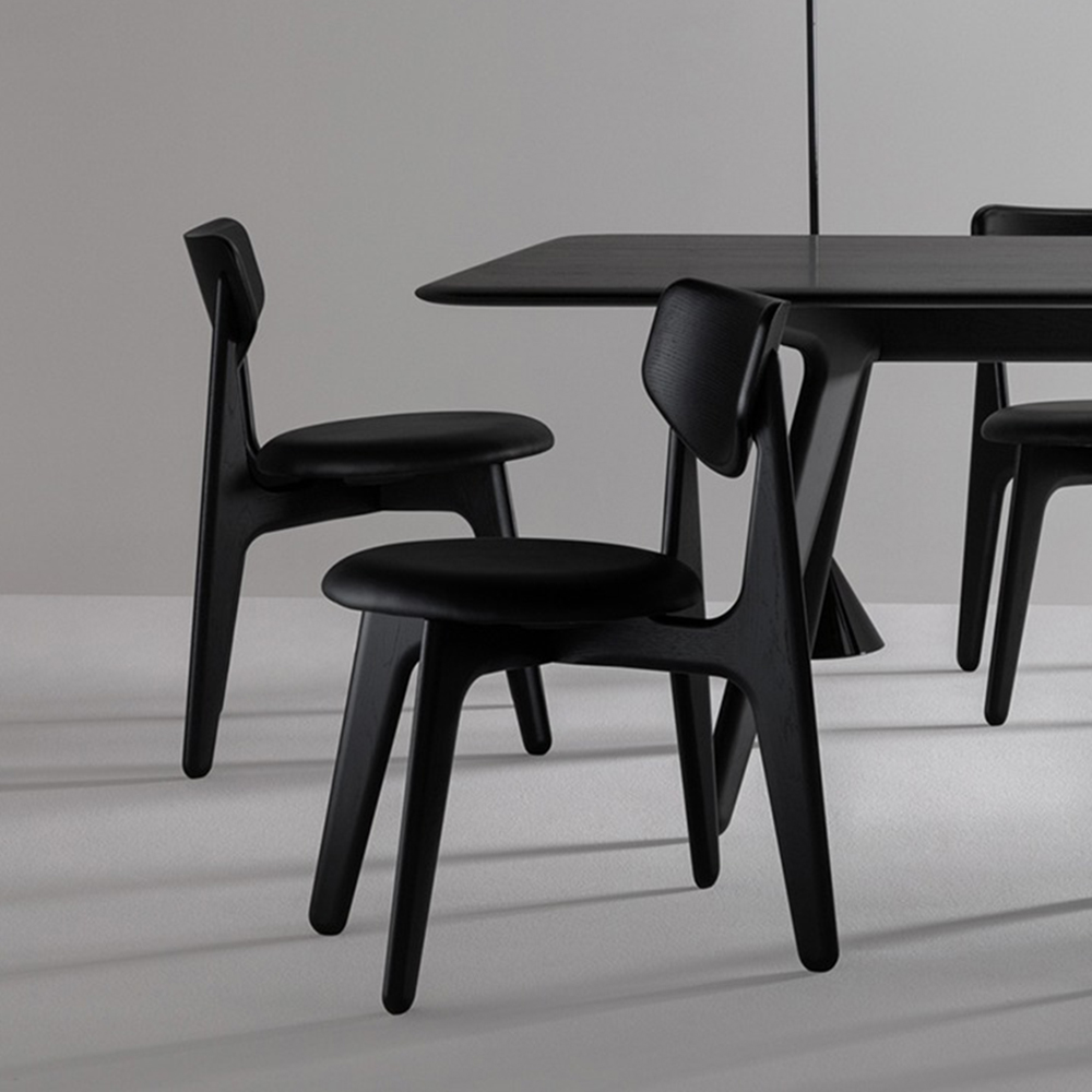 tom dixon slab chair black leather lifestyle 01 1000 jpg