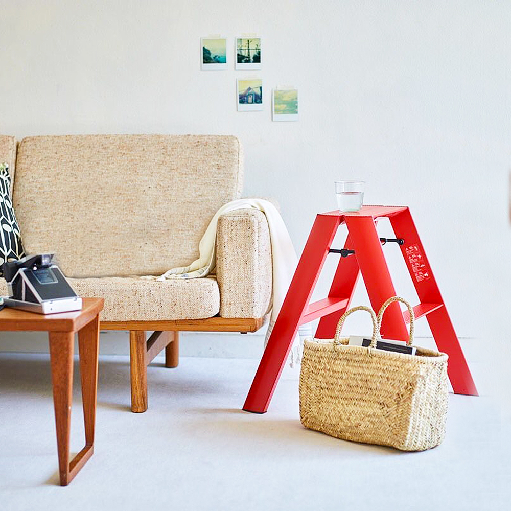lucano ladder 2 step red lifestyle 01 1000